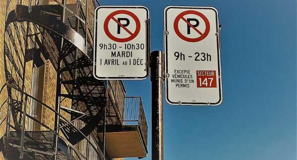 Pancarte de stationnement à Montréal