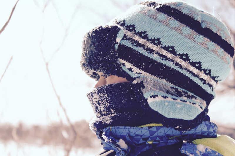 Enfant en hiver au Québec