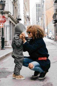 Maman et son enfant à Montréal
